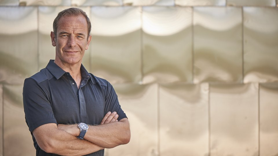 how tall is robson green