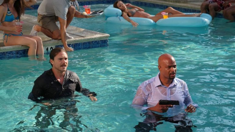 murtaugh gay personals On the latest episode of lethal weapon, riggs (clayne crawford) and murtaugh (damon wayans) investigated a series of violent crimes targeting members of the same church.