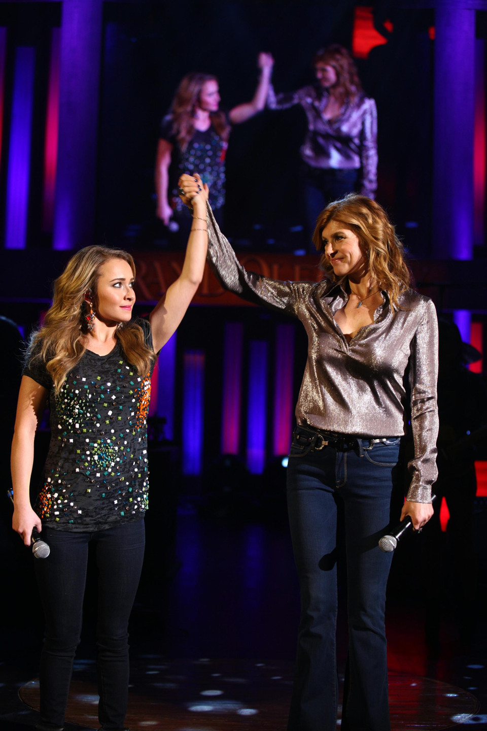 Nashville series 2: episode 17 – We've Got Things to do