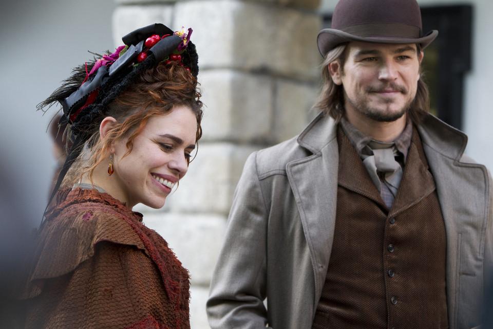 Billie Piper as Brona Croft and Josh Hartnett as Ethan Chandler