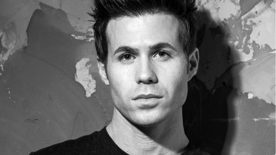 Ashley Parker Angel Is King Of The Smoking Hot Selfie