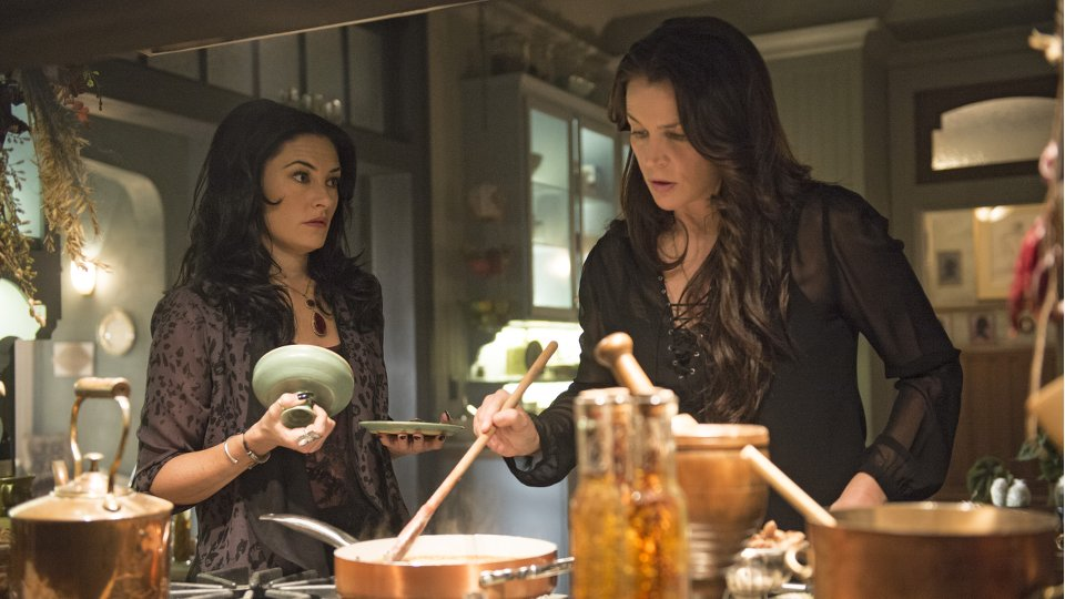 Witches of East End season 2 episode 6