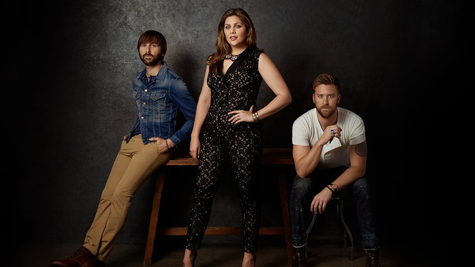 Lady antebellum 747 international deluxe edition album for Lady antebellum miscarriage how far along