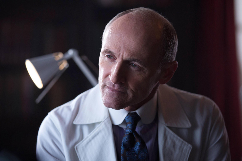 Colm Feore as Dr. Francis Dulmacher / The Dollmaker.Gotham 1, ep