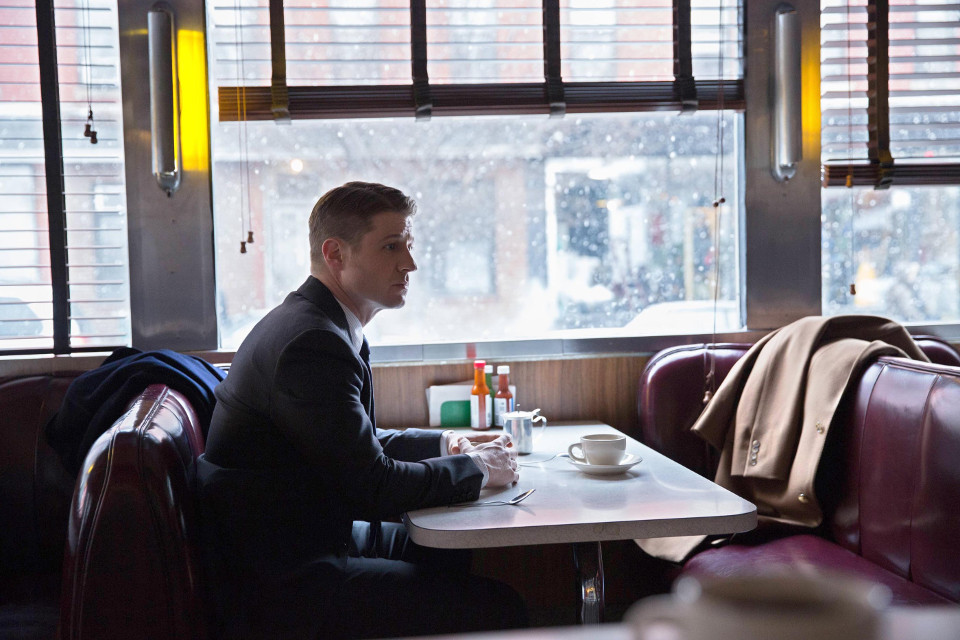 Ben McKenzie as Detective James Gordon.  Gotham 1, ep. 18