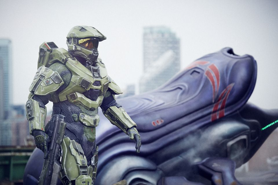 IMAGE 4 Halo's iconic lead character, The Master Chief, landed with a bang by The O2 this morning, to mark the launch of Halo 5 Guardians on Xbox One on Oct. 27