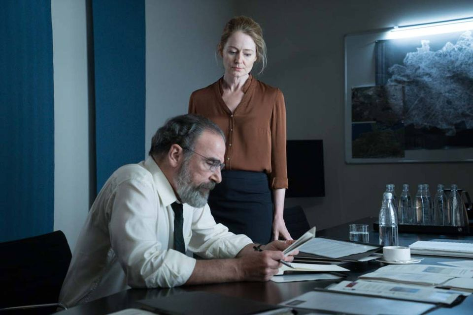 Credit: Stephan Rabold/SHOWTIME - Mandy Patinkin as Saul Berenson and Miranda Otto as Allison Carr