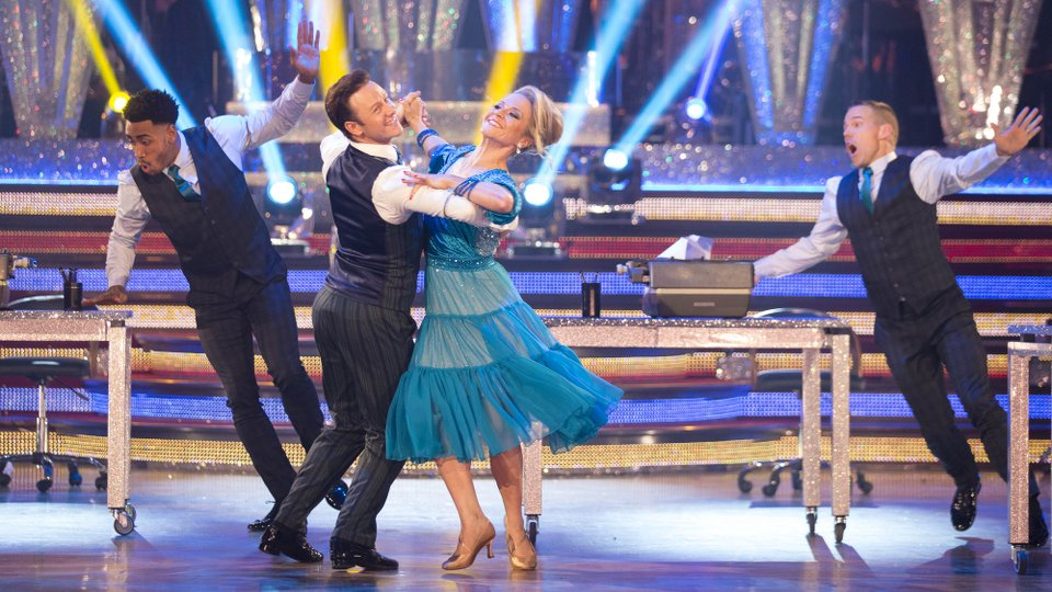 Kevin Clifton and Kellie Bright week 9