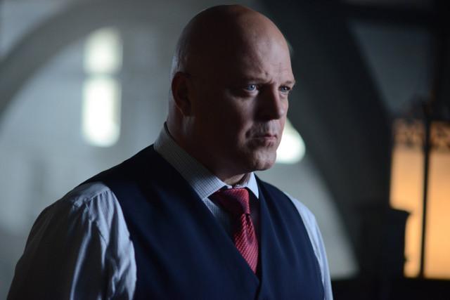 """Michael Chiklis as Nathaniel Barnes.Gotham 2, ep. 4 """"Strike Force"""""""