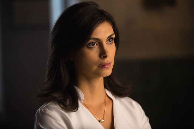 "Morena Baccarin as Dr. Leslie Thompson.Gotham 2, ep. 8 ""Tonight's the Night"