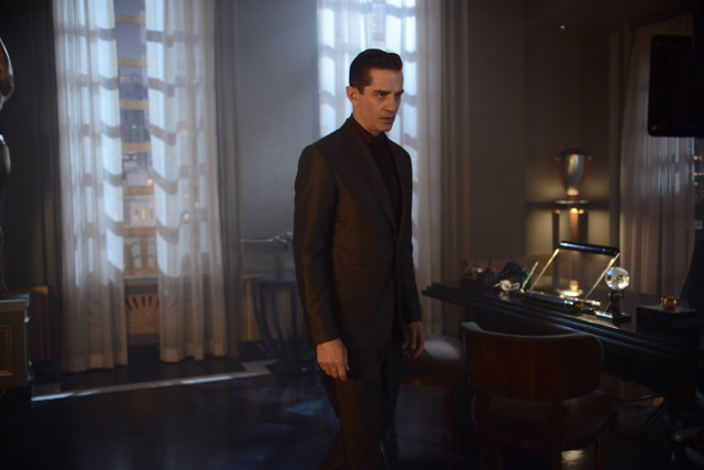 "James Frain as Theo Galavan.Gotham 2, ep. 8 ""Tonight's the Night"""