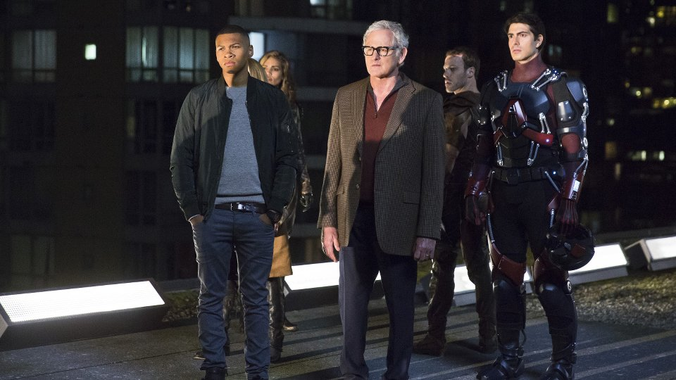 "DC""s Legends of Tomorrow 1x01"