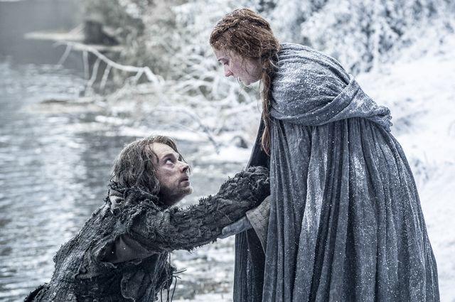 Alfie Allen as Theon Greyjoy and Sophie Turner as Sansa Stark– photo Helen Sloan/HBO