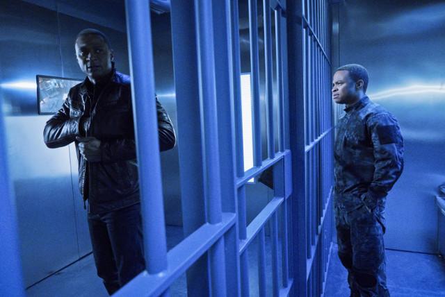"ARROW - Series 4, Episode 11 ""A.W.O.L"""