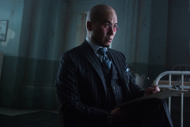 "B.D. Wong as Hugo Strange.Gotham 2, ep. 14 ""This Ball of Mud and Meanness"""