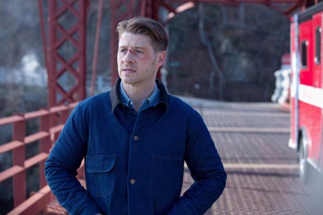 "Ben McKenzie as Detective James Gordon.  Gotham 2, ep. 16 ""Prisoners"""