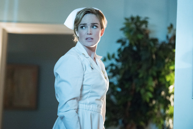 """Caity Lotz as Sara Lance.DC's Legends of Tomorrow 1, ep. 8 """"Night of the Hawk"""""""