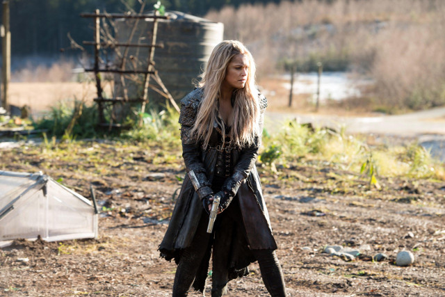 "Eliza Taylor as Clarke.  The 100 3, ep. 12 ""Demons"""