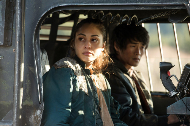"Lindsey Morgan as Raven and Chris Larkin as Monty.  The 100 3, ep. 12 ""Demons"""