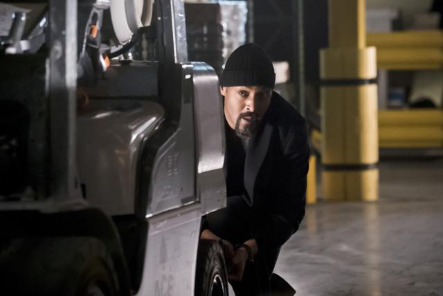 Jesse L. Martin as Detective Joe West.