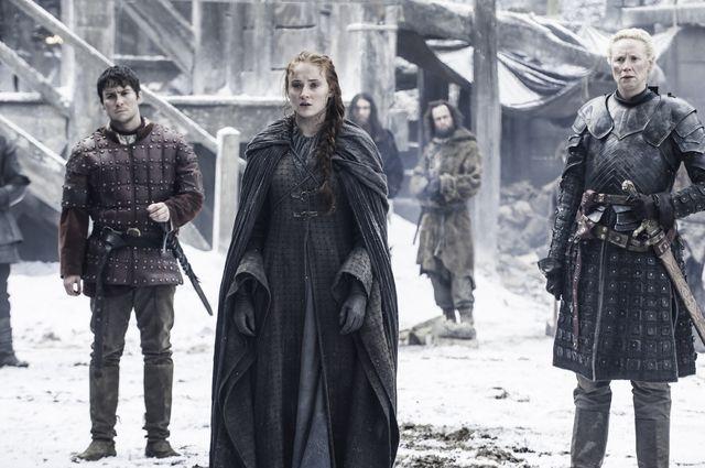 © HBO - Daniel Portman as Podrick Payne, Sophie Turner as Sansa Stark, Gwendoline Christie as Brienne of Tarth