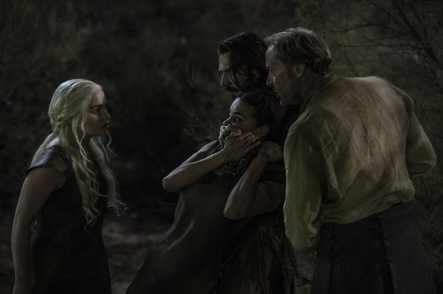 © HBO - Emilia Clarke as Daenerys Targaryen, Hannah John-Kamen as Ornela, Michiel Huisman as Daario Naharis, Iain Glen as Jorah Mormont
