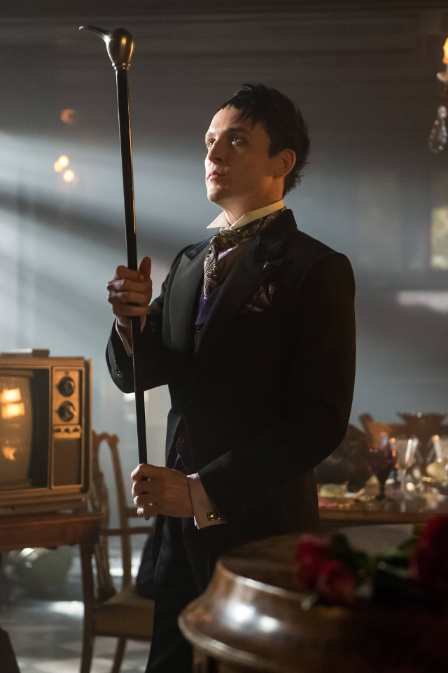 "Robin Lord Taylor as Oswald Cobblepot/The Penguin.Gotham 2, ep. 20 ""Unleashed"""