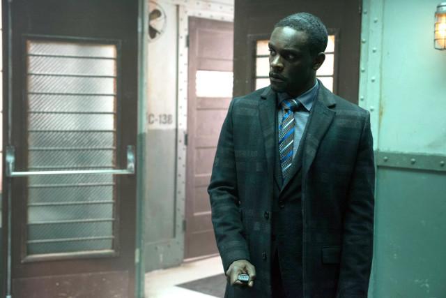 """Chris Chalk as Lucius Fox.Gotham 2, ep. 21 """"A Legion of Horribles"""""""