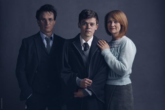 l-r Harry Potter (Jamie Parker), Albus Potter (Sam Clemmett), Ginny Potter (Poppy Miller)