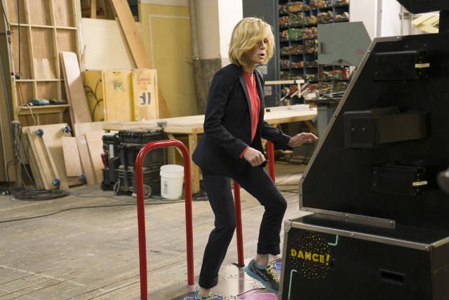"""(R): Claire (Julie Bowen) in """"Double-Click."""""""