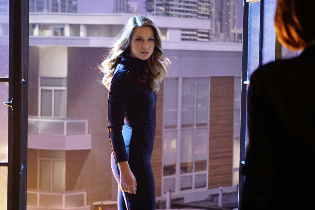 "Melissa Benoist as Supergirl.Supergirl 1, ep. 16 ""Falling"""