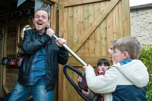 Dan & the kids, Emmerdale