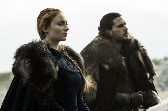 © HBO - Sophie Turner as Sansa Stark, Kit Harington as Jon Snow