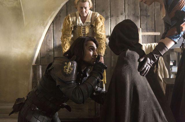 © BBC/Dusan Martincek - D'Artagnan (LUKE PASQUALINO)