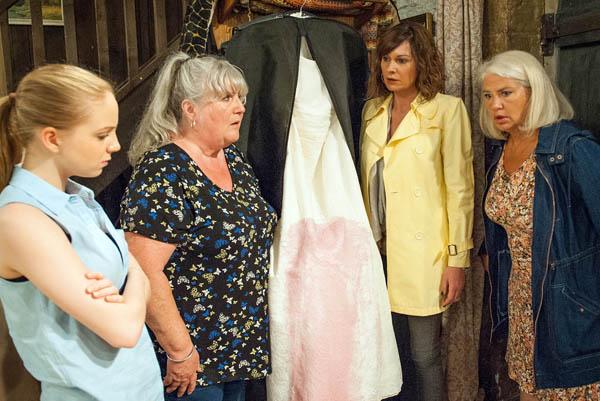 Joanie, Lisa, Belle & Chas Dingle, Emmerdale
