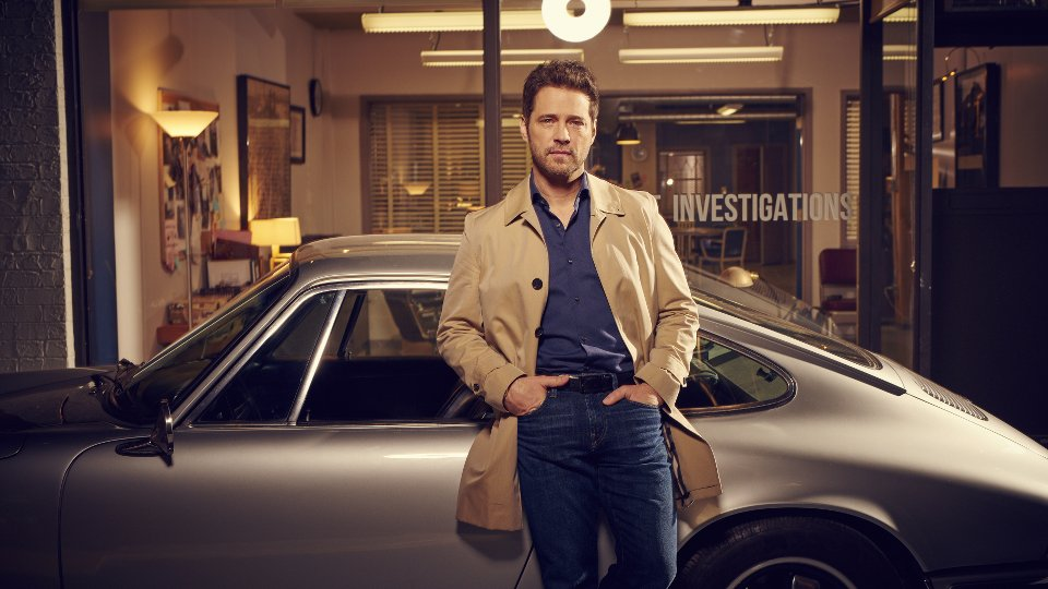 Private Eyes - Jason Priestley