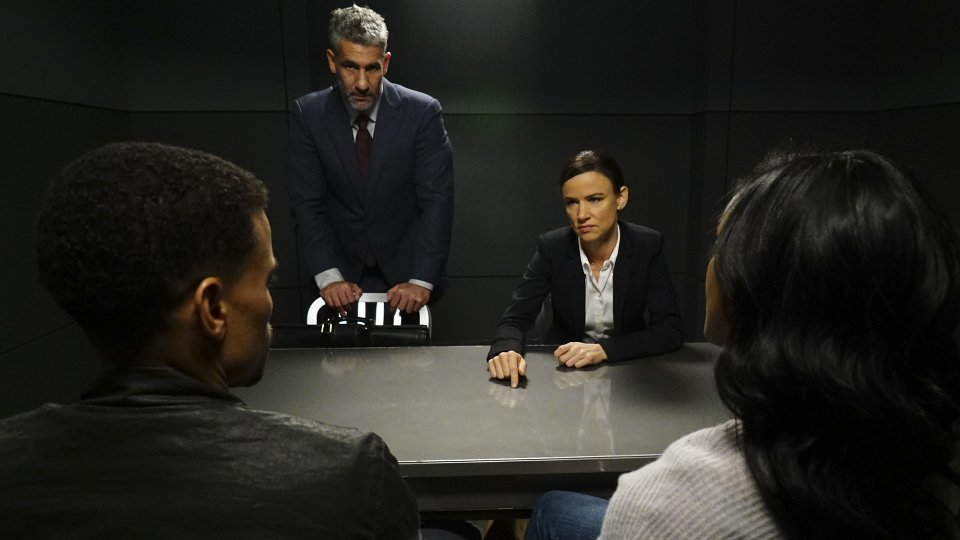 Secrets and Lies 2x10