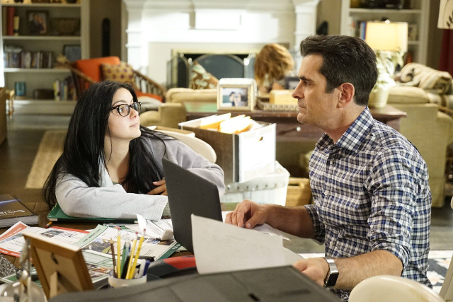 """(L-R): Alex (Ariel Winter) and Phil (Ty Burrell) in """"A Steroetypical Day."""""""