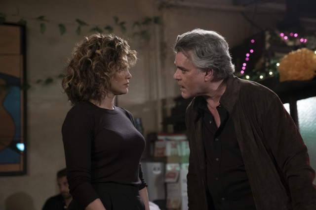 04_21_ShadesOfBlue_S01-1