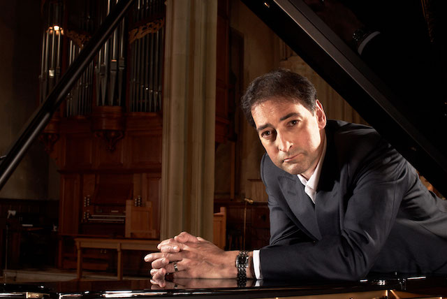 Impressionist Alistair McGowan to tour show on piano this summer