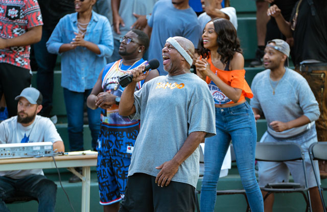 """Lil Rel Howery as """"Dax"""" and Erica Ash as """"Maya"""" in UNCLE DREW."""