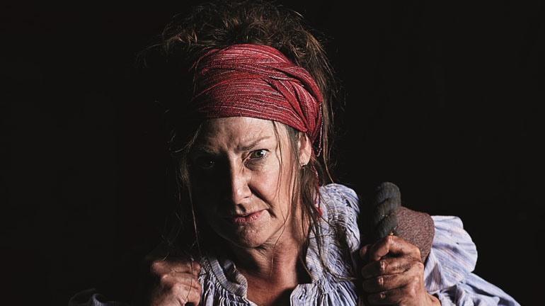 Mother Courage Pauline McLynn. Photo David Lindsay.