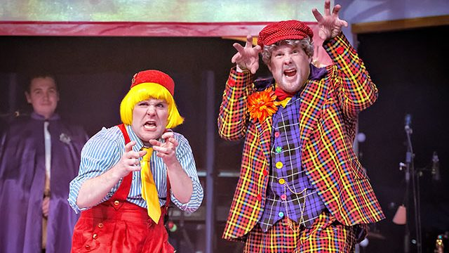 Kenny Davies as Buttons and Dyfrig Morris as Baron Hardup. Credit: Anthony Robling.