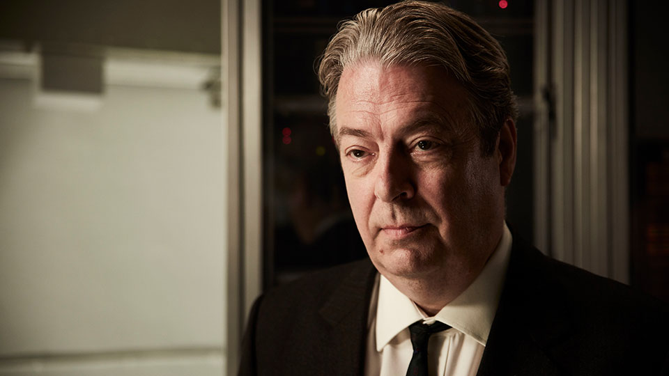 Endeavour series 6 episode 2 - Roger Allam as DI Thursday
