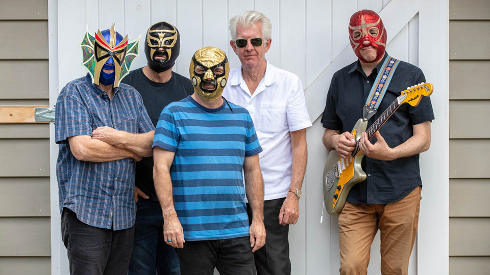 Nick Lowe and Los Staitjackets