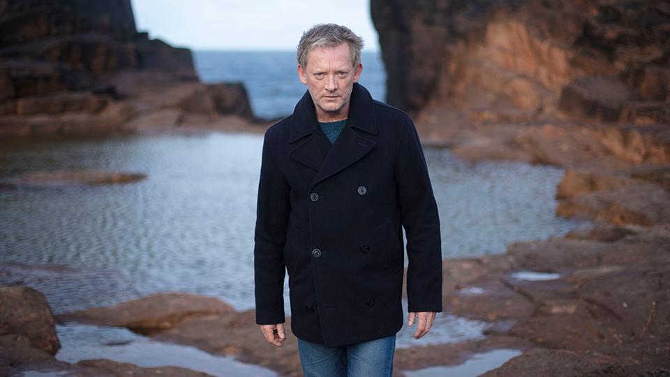 Shetland - Douglas Henshall