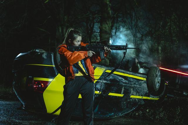 Curfew - 1x05
