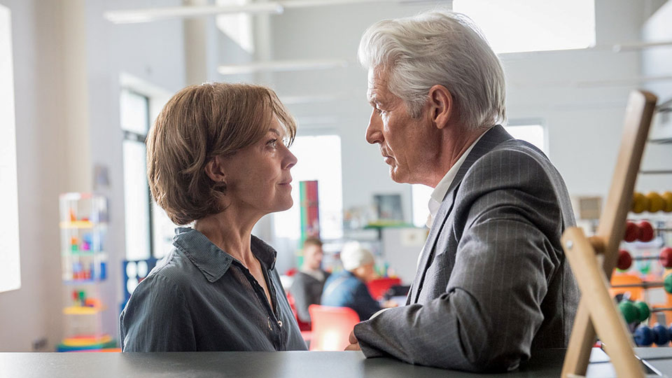 MotherFatherSon episode 6