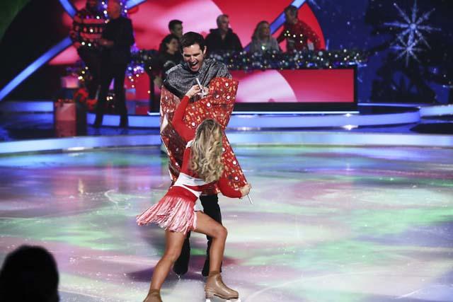 dancing_on_ice_at_christmas_11