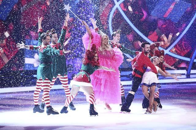 dancing_on_ice_at_christmas_39